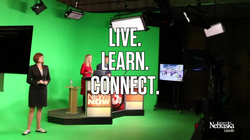 Learning Communities: Media Smarts visit TV, newspaper & radio stations