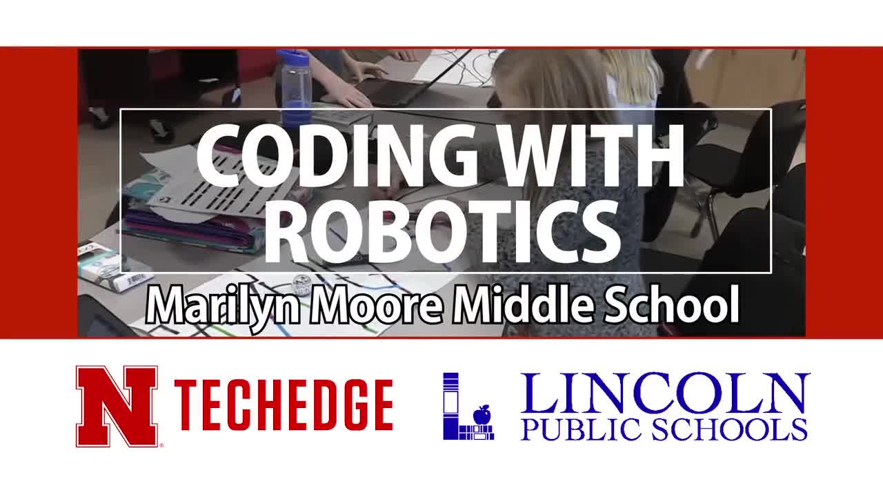 Marilyn Moore Middle School Students Coding with Robotics