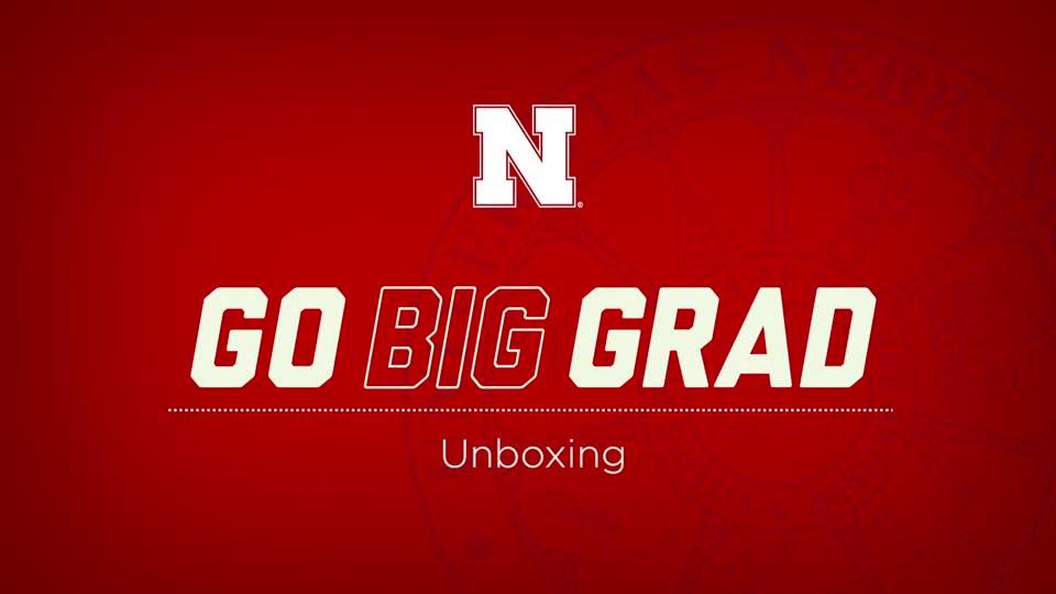 Go Big Grad | Unboxing