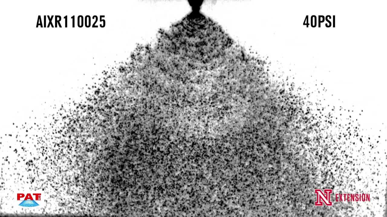 TeeJet AIXR110025 at 40 PSI