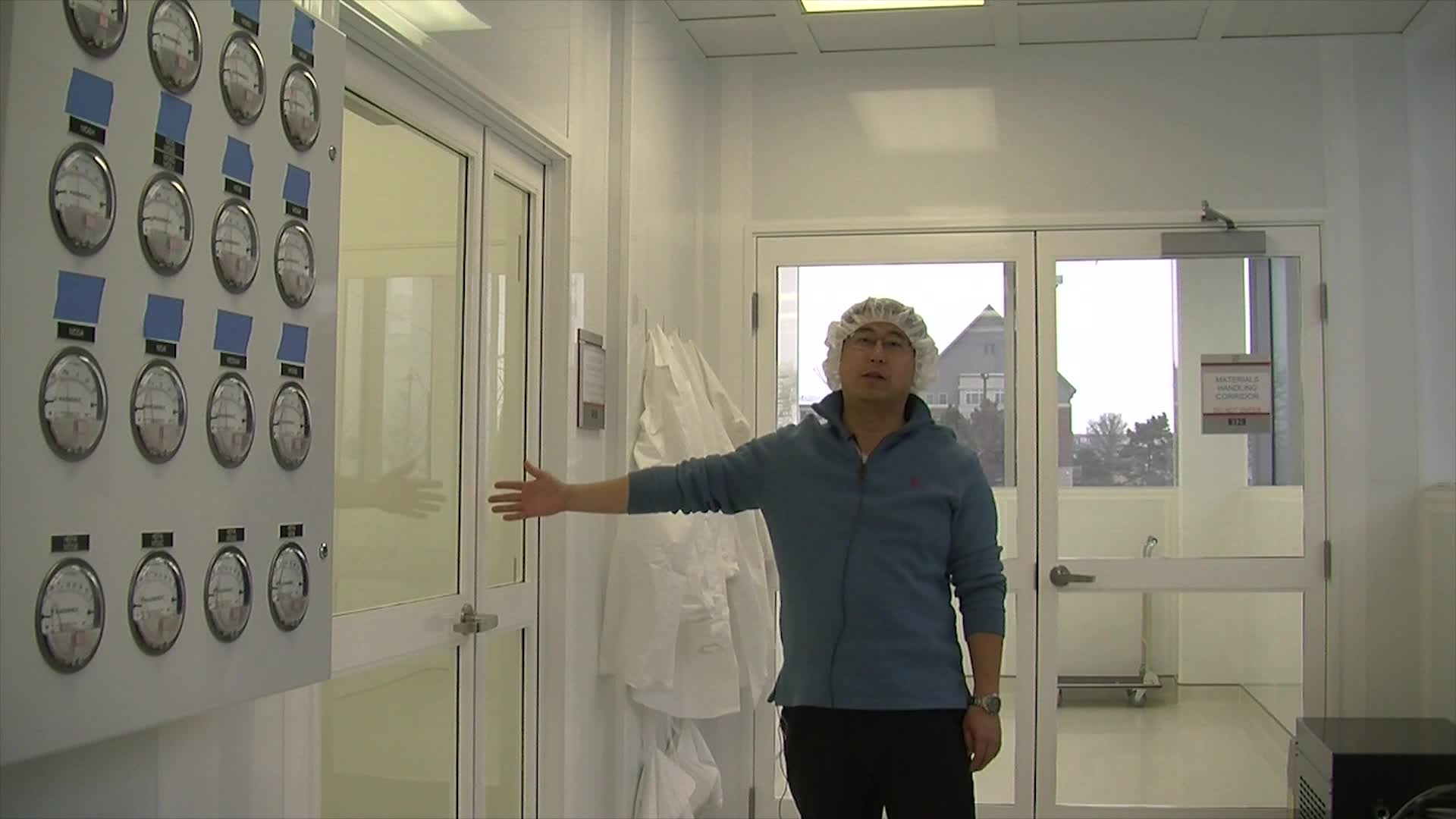 Cleanroom entry